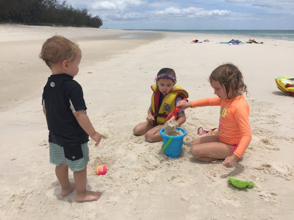 Fraser Island Beach + BBQ cruise family friendly