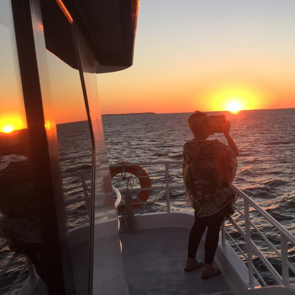 Whalesong Cruises Hervey Bay Sunset cruise picture perfect